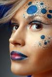 искусство делает совершенных поднимающих вверх женщин стоковые фотографии rf