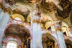 Искусство интерьеров церков StNicholas в Праге Стоковая Фотография