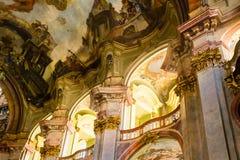 Искусство интерьеров церков StNicholas в Праге Стоковая Фотография RF