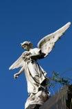 Статуя ангела радетеля старая женская. Память и печаль. Стоковое Фото