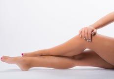 Искусство и ноги ногтя Стоковые Фотографии RF