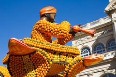 Искусство сделанное из лимонов и апельсинов в известном лимоне Фестивале Fete du Цитроне в Menton, Франции Стоковое Изображение RF