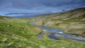 Исландский ландшафт на полуострове Skagi с рекой горы Tindastoll стоковое изображение
