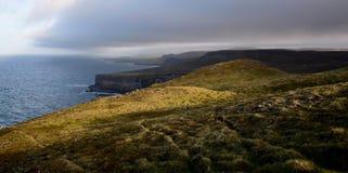 Исландский ландшафт на Ketubjörg в выравниваясь солнце Полуостров Skagi стоковая фотография rf