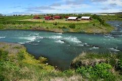 Исландский ландшафт, река Blanda в Исландии, около Blönduos стоковое изображение