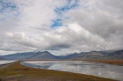 Исландский ландшафт сельской местности в Hornafjordur Исландии Стоковая Фотография
