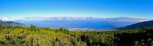 Испания, Канарские острова, Тенерифе, панорамный вид к Puerto de Ла Cruz стоковое изображение