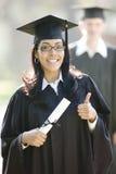 Испанский студент-выпускник женщины стоковая фотография