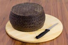 Испанский сыр manchego стоковые фотографии rf