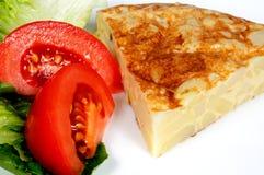 Испанский tortilla с салатом. Стоковая Фотография