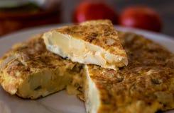 Испанское omelete в плите стоковое изображение rf