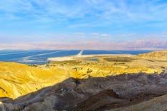 Испарение соли долины Zohar, и мертвого моря ponds стоковые фотографии rf