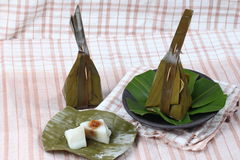 Испаренная помадка обруча муки помяла кокос как Sii Khanom Sai Стоковое Изображение