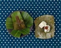 Испаренная помадка обруча муки помяла кокос как Sii Khanom Sai Стоковая Фотография RF