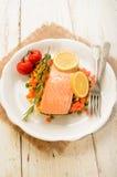Испаренный salmon овощ филе дальше точно - прерванный Стоковое Фото