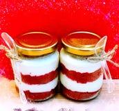 Испеките в бутылке - красном чизкейке бархата - время плотного ужина с чаем - десерт Стоковая Фотография RF