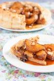 Испеките от облупленного печенья с пряными грушами карамельки Стоковые Фото