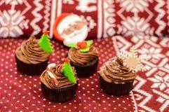 испеките пирожнй сливк рождества сыра замораживая красный бархат Стоковая Фотография RF