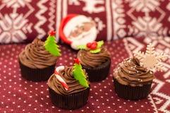 испеките пирожнй сливк рождества сыра замораживая красный бархат Стоковые Фото