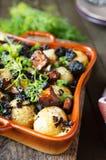Испеченная картошка с грибами стоковая фотография rf