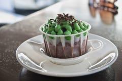 испеченная помадка чашки торта вкусная свеже морозя Стоковое Изображение RF