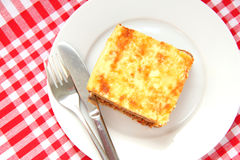 испеченное мясо макарон сыра Стоковая Фотография