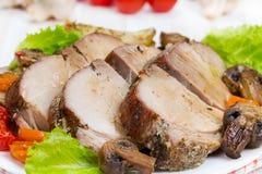 Испеченное мясо с овощами Стоковое Фото