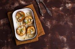 Испеченные груши с гайками Стоковое Фото