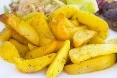испеченные картошки стоковые фото