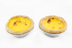 Испеченные пироги яичка на белой предпосылке стоковые фотографии rf