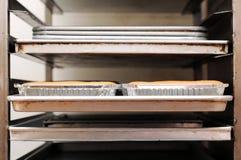 испеченный взгляд шкафа фронта хлеба Стоковые Фото