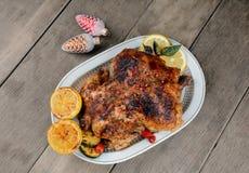 Испеченный вкусный горячий цыпленок Стоковое Изображение RF