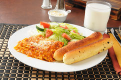 Испеченный обед lasagna Стоковая Фотография RF