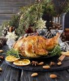 Испеченный цыпленок на рождество или Новый Год Стоковые Фото