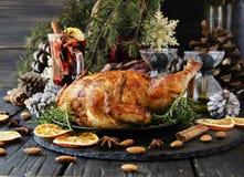 Испеченный цыпленок на рождество или Новый Год Стоковая Фотография RF
