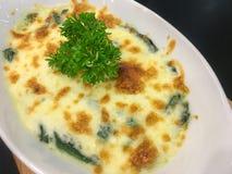испеченный шпинат сыра стоковое фото