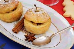 2 испеченных яблока как десерт рождества Стоковое фото RF