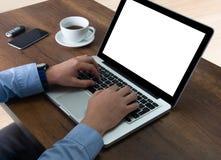 Исполнительная деятельность с его компьютером стоковые фотографии rf