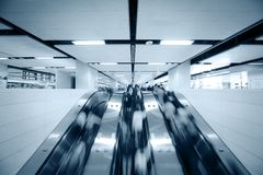 использование людей эскалатора Стоковые Фото