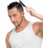 использование человека волос гребня щетки совершенное Стоковая Фотография