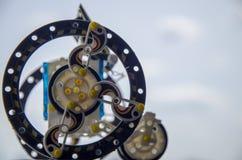 использующий энергию Солнечн пластиковый робот, робототехника Современный учить стоковое изображение