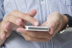использование телефона франтовское Стоковое Фото