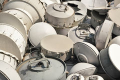 Используемая предпосылка тарелок антенны радиосвязей Стоковое фото RF