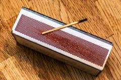 Используемая спичка на большом matchbox Стоковые Фото