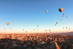 Использующий горячий воздух воздушный шар, Cappadocia, Турция Стоковое фото RF