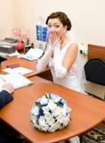 испуганная невеста получая поженен стоковые фото