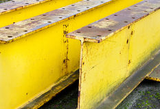 испускает лучи промышленный большой желтый цвет Стоковое Фото