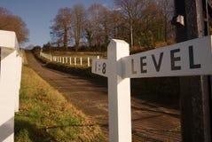 Испытайте холм на беговой дорожке Brooklands, Суррей, Англии стоковые изображения