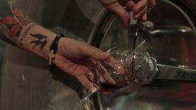 Испытание вина сток-видео