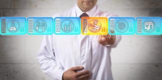Исследователь выбирая лекарство специальности в Blockchain стоковое изображение